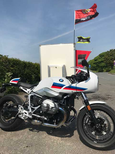 Open Road Bmw >> 2018 Bmw R Nine T Racer On The Open Road News Reviews And Local